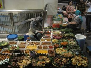 what to do while visiting jakarta